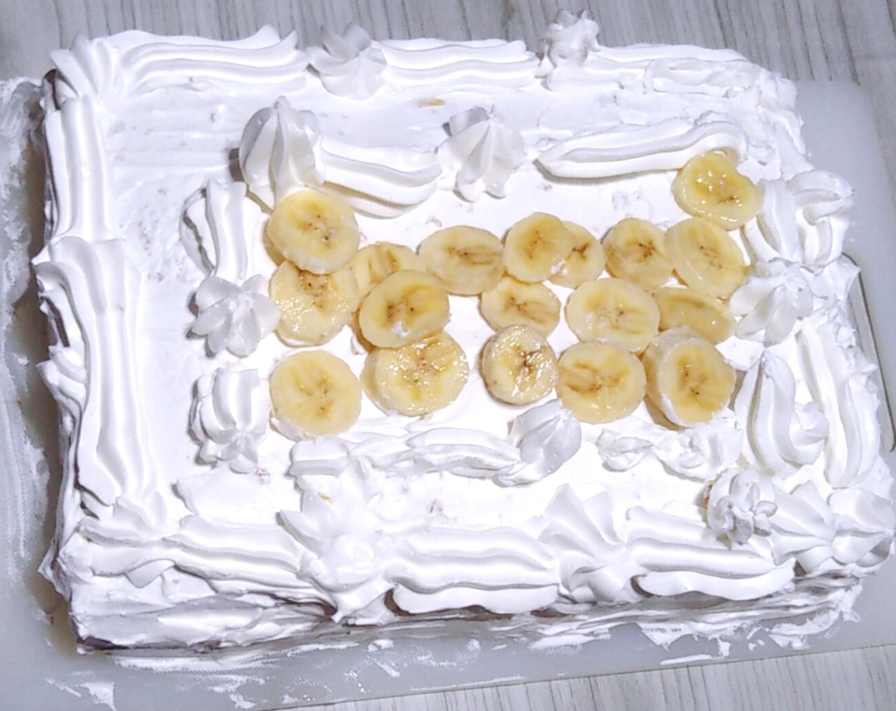 ケーキ出来上がり♪業務スーパーお手軽スポンジシート